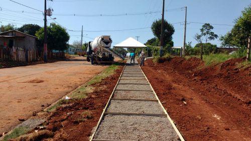 """Parque das Flores e Vila São Joaquim começam a ganhar """"cara nova"""" com serviços do Bairro Ativo"""