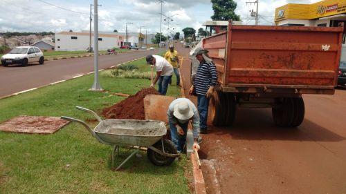 Serviços Urbanos realiza limpeza de bocas-de-lobo