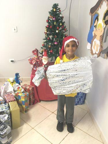 Alunos do S.O.S Cicero Nuto Figueiredo são apadrinhados pelo Lions Clube de Ubiratã, empresas e comunidade ubiratanense neste natal
