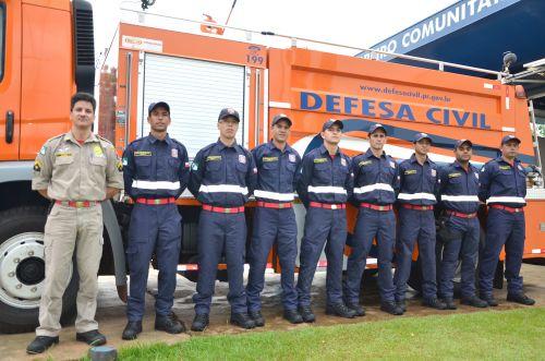 Bombeiro Comunitário realizou no ano passado 427 atendimentos; profissionais receberam novo fardamento
