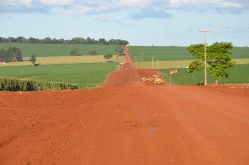 Readequação da Estrada Olinda vai prepará-la para receber calçamento com pedras poliédricas