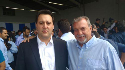 Prefeito Baco participa de reunião com ministro e deputados em Cascavel