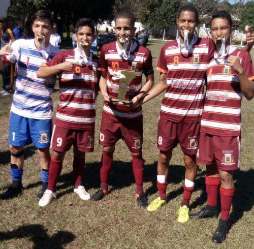 Futebol de Ubiratã é campeão dos Jogos da Juventude; equipe garantiu vaga na fase final da competição