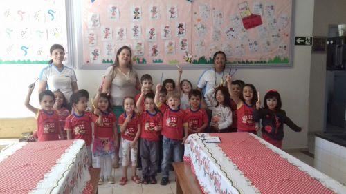 Higiene bucal: crianças do CMEI Dona Mariquinha contam escovação supervisionada por profissionais