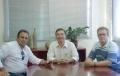 Da esq. para a dir.: Reni Pereira, Orlando Vieira Filho e o assessor Ademar Klein