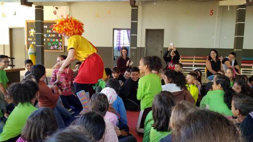Comemoração da Páscoa e do Dia do Livro na Escola Gentil Toledo