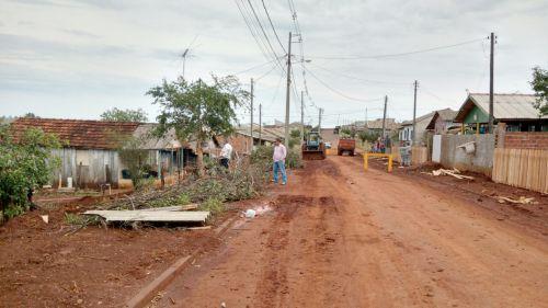 Prefeito Baco acompanha serviços realizados no Bairro Ativo: grandes transformações na Vila São Joaquim e Parque das Flores