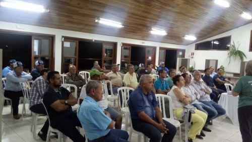 Produtores participam de encontro com representantes da Itaipu