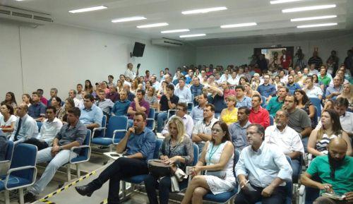 Prefeito Baco participa de prestação de contas de Ricardo Barros em Campo Mourão