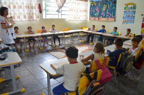 Pais devem matricular filhos com idade a partir de 4 anos e 5 anos