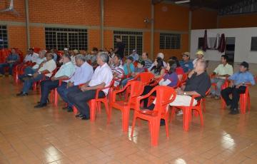 Agricultores da região de Yolanda participaram da reunião