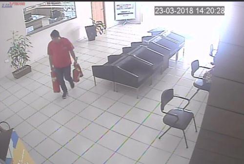 Prefeitura registra B.O. e disponibiliza vídeo com ação de indivíduo que furtou extintores