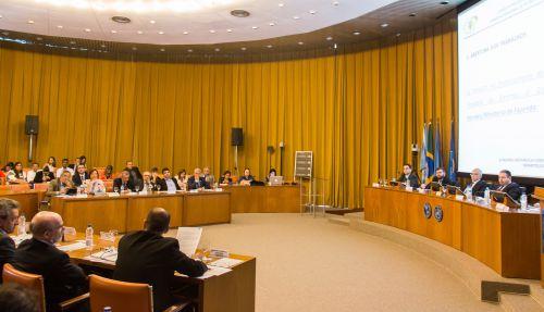 Cristiane participa de reunião que alerta sobre prejuízos para a saúde com aprovação da PEC 241