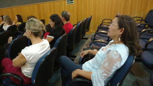 Prefeito e primeira-dama participam de reunião na Amop e Adamop