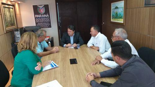 Viagem de prefeito e vereadores à Curitiba resulta na conquista de dois caminhões e 600 tubos de concretos para Ubiratã