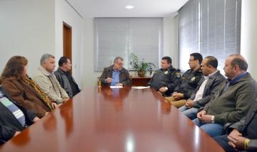 Participaram da reunião os vereadores e membros do Conselho de Segurança Pública