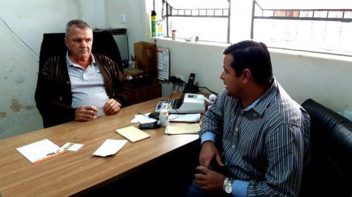 Obras do canteiro central da Avenida Ascânio Moreira de Carvalho avançam