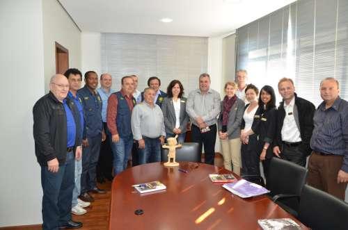 Rotarianos também participaram da visita ao gabinete