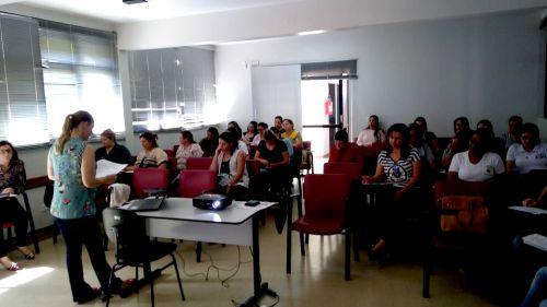 Responsáveis por instituições de ensino municipal participaram de reunião sobre aplicação de avaliação de desempenho