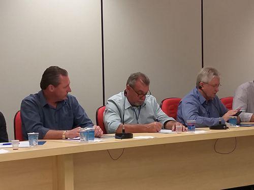 Prefeito Baco participa de reunião da Amop; gestor ubiratanense será destaque na próxima edição da revista da associação municipalista