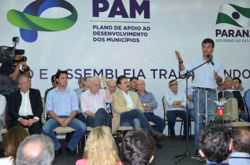 Governador Beto Richa liberou R$ 450 mil em recursos, a fundo perdido, para Ubiratã