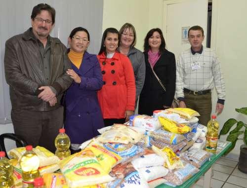 Alimentos foram doados para a rede de assistência social que atende centenas de famílias no município
