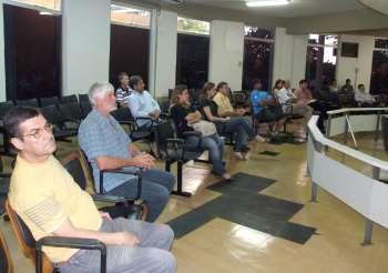 Cidadãos prestigiaram a sessão onde a secretária de Finanças falou sobre a pasta por ela coordenada