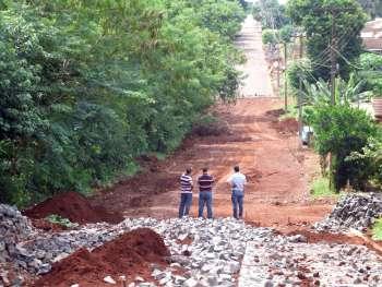 Prefeito acompanhou ainda andamento dos trabalhos em execução na Rua Rio Grande do Sul