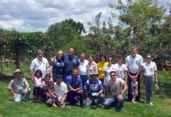 A visita dos leões à Creche das Árvores aconteceu na tarde do dia 4 (sábado)