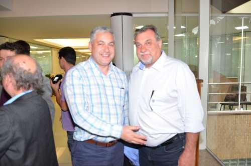 Deputados e secretários do estado estiveram presentes no evento, como Douglas Fabrício