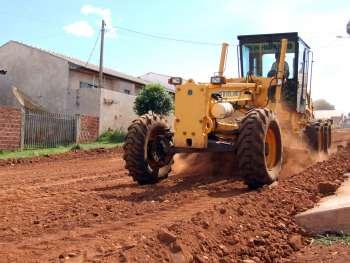 Tão logo esse serviço seja encerrado será dado início a pavimentação asfáltica do bairro