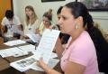 Sandra Capana falou aos presentes sobre qual – de acordo com a lei – a melhor forma de se fazer um processo licitatório