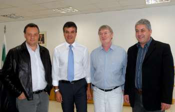 Da esquerda para a direita: Fábio D'Alécio, Beto Richa, João Carlos Klein e Douglas Fabrício