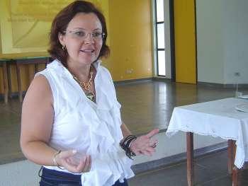 Luciane D'Alécio é a atual presidente da União Nacional das Associações de Proteção à Maternidade, Infância e Família (UNAPMIF)