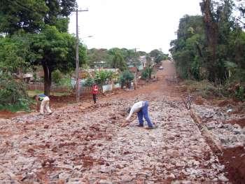 Pavimentação poliédrica na Rua Rio Grande do Sul está quase concluída