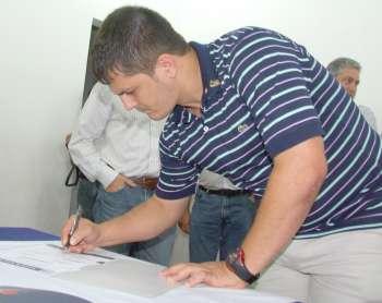 O sargento da PM, Heveraldo Teodoro assinou um dos convênios