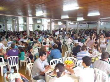 Milhares de pessoas participaram do almoço