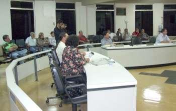 Vereadores e pessoas presentes ao plenário conheceram um pouco mais do que é realizado dentro da Secretaria de Desenvolvimento Econômico