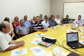 O projeto do Parque Temático de Turismo Religioso foi apresentado pelo Padre Carlos Alberto Chiquim (1º à esq.), que é coordenador da pastoral de Turismo do Brasil