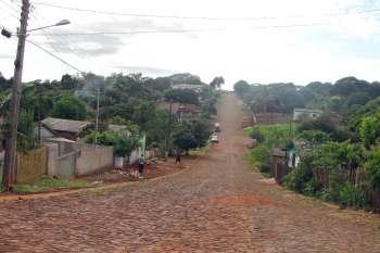 A primeira etapa de pavimentação da Vila Recife já foi concluída; serviço melhora consideravelmente a qualidade de vida da comunidade