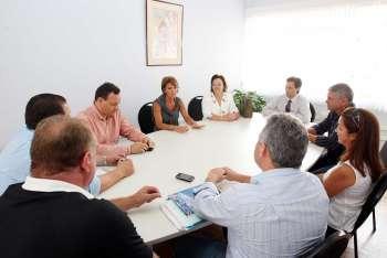 Luciane D´Alécio satisfeita com a primeira reunião que teve com a secretária Fernanda Richa