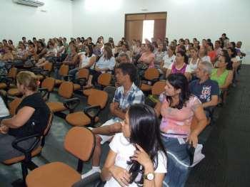 Professores da rede municipal participaram dos debates voltados a organização do trabalho em sala de aula
