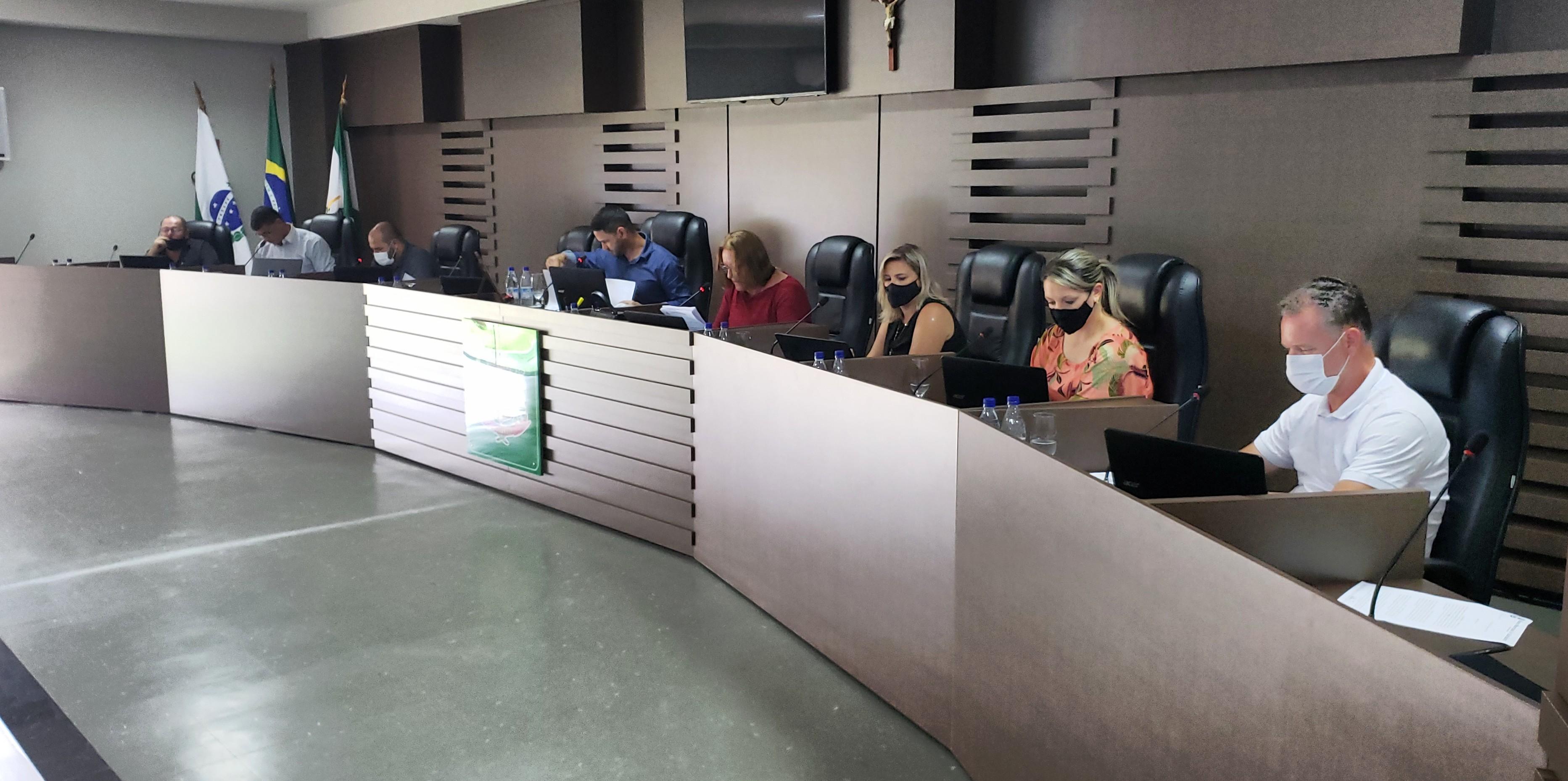 Vereadores realizam Sessão Extraordinária para deliberação de Projetos importantes, dentre eles, a recomposição salarial dos Servidores Públicos Municipais.