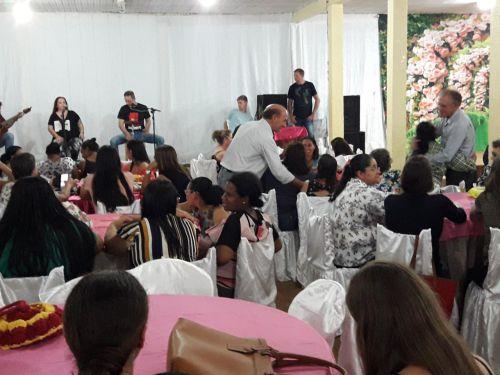MUNICÍPIO DE IGUATU REALIZA LINDA FESTA EM COMEMORAÇÃO AO DIA DAS MÃES