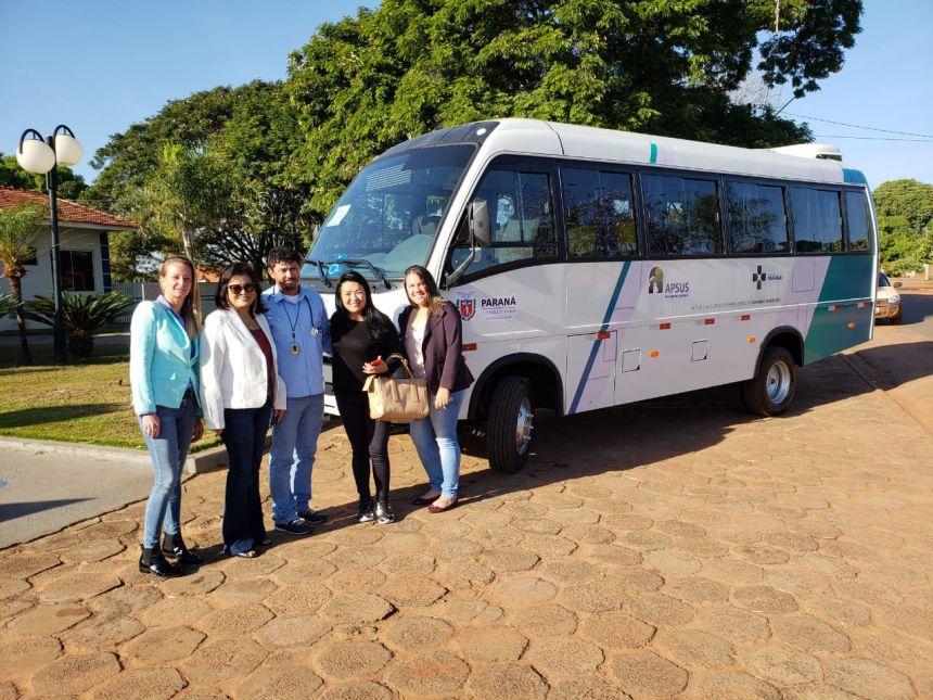 Entrega do Micro-ônibus da Deputada Maria Victoria
