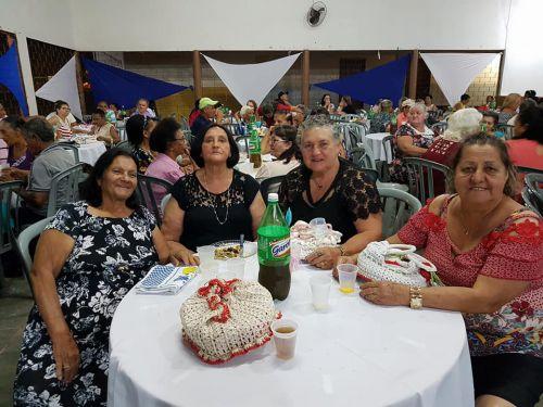 Jantar Dançante em Comemoração ao dia do Idoso.