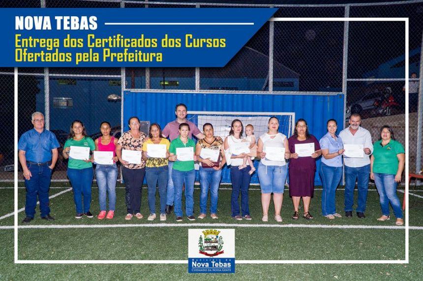 Entrega dos Certificados dos Cursos Ofertados pela Prefeitura