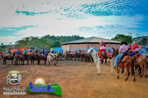 Tradicional Cavalgada anual de Nova Tebas a Lunardelli.