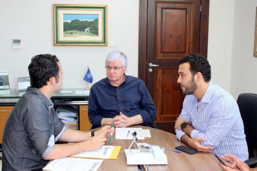 MAQUINÁRIO, REVITALIZAÇÃO DO LAGO E ACADEMIA PARA NOVA TEBAS