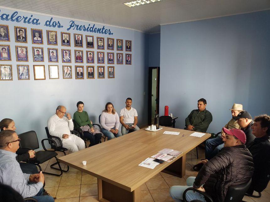 REUNIÃO COM OS REPRESENTANTES DE FARMÁCIA DE MANOEL RIBAS.